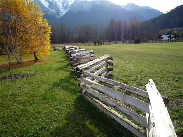 D&B Auger - Split Cedar Fencing