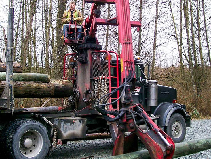 Self-Loading-Log-Truck-4