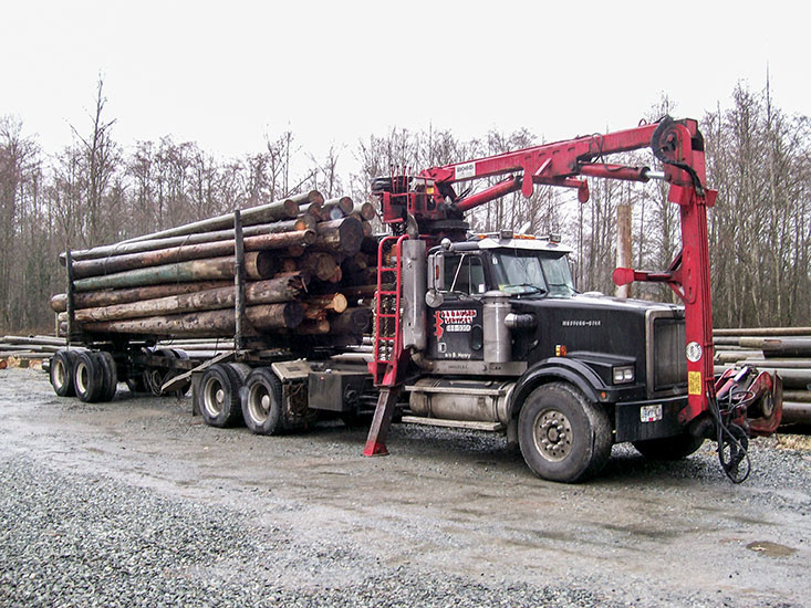 Self-Loading Log Truck